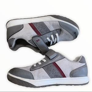 SURPRIZE by STRIDE RITE Darrell Sneakers 10